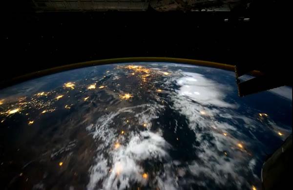 ¿qué se siente volar sobre el planeta Tierra?